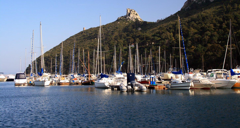 Sfondo della Sella del Diavolo da Marina Piccola, Cagliari (CA)