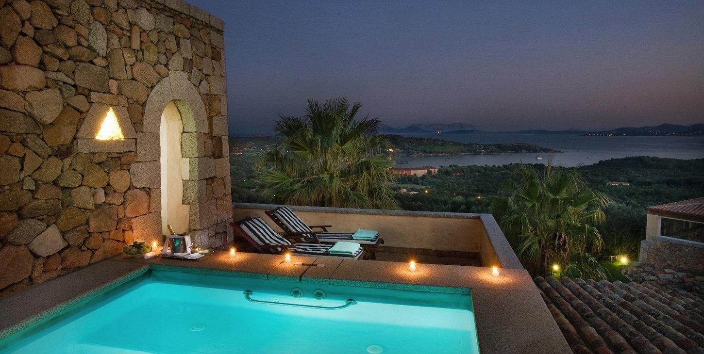 Romantic hotels sardinia book online your dream holiday for Intimate hotel